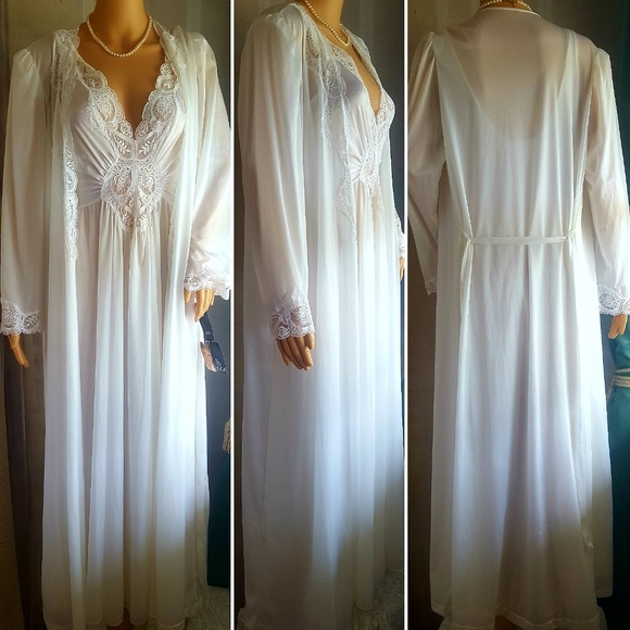 Vintage Intimates & Sleepwear   Nwt Large Olga Nightgown Robe Set ...